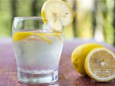 柠檬能去痘吗 喝柠檬水能去痘印吗