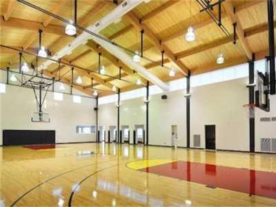 大同室内运动 大同市室内篮球场运动木地板防腐处理很重要