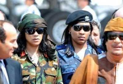 卡扎菲访问中国 邓公说了哪4个字让其气焰全无