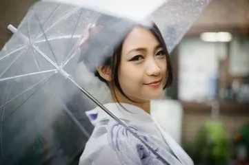 雨伞是谁发明的 透明雨伞是日本人发明的